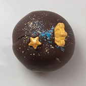 Truffle Shop The Black Pearl – Queen of the Night Bitter-Sweet Chocolate Truffle